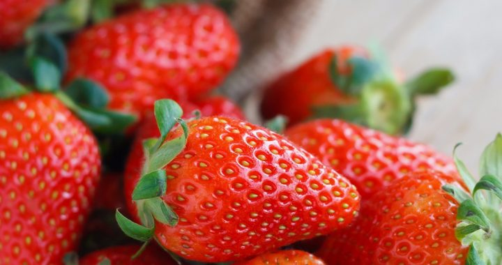 easy salad recipe _ strawberry salad