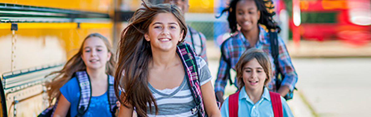 kids walk with backpacks _ back to school health tips from mercy health