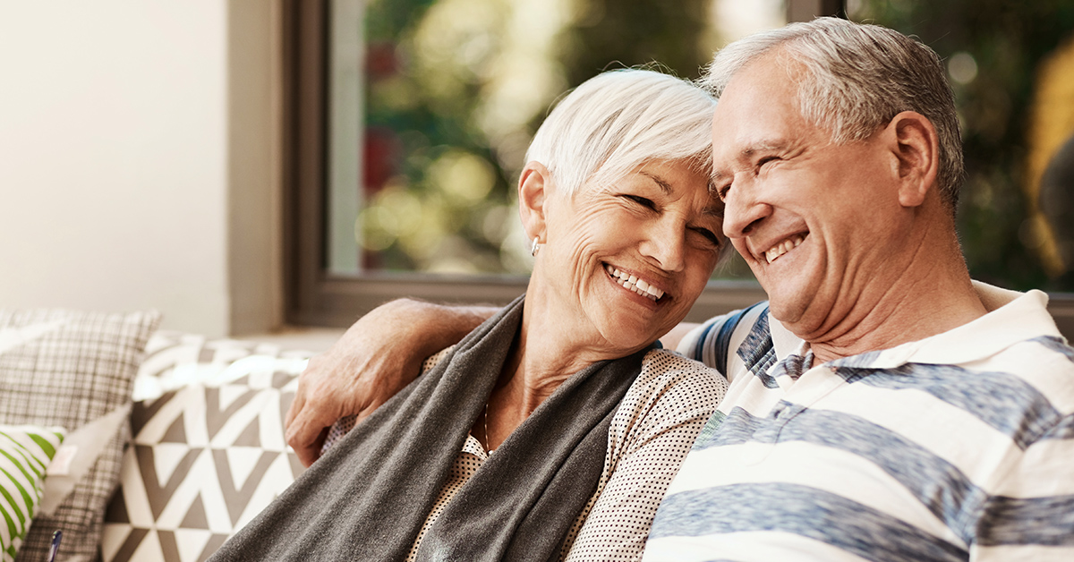An older couple discussing lung cancer screenings