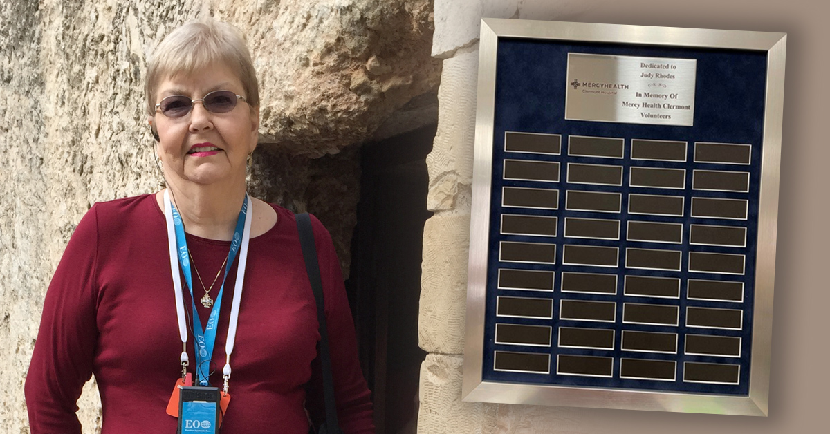 Judy Rhodes and our new volunteer plaque