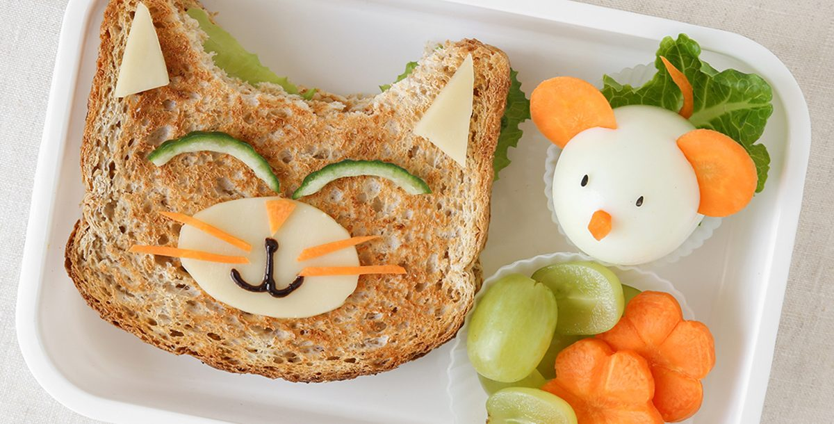 silly-face sandwich lunch
